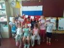 В дошкольных группах МБОУ посвященные Дню флага России.
